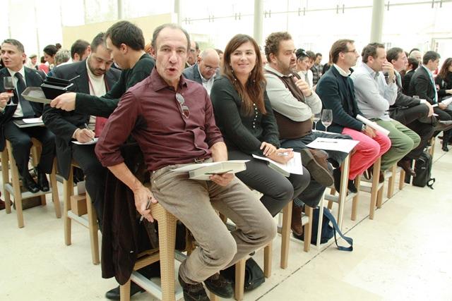 un'occhiata alla giuria, in primo piano Antonio Paolini