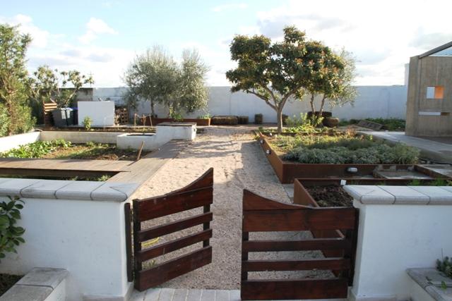 l'ampio spazio dedicato all'orto