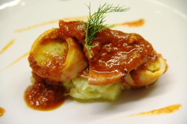 calamaro farcito con stufato di patate e sponsali