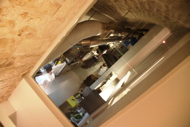 e una cucina a vista