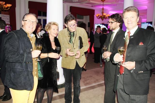 si parte con lo champagne e brindiamo con Martin Dalsass